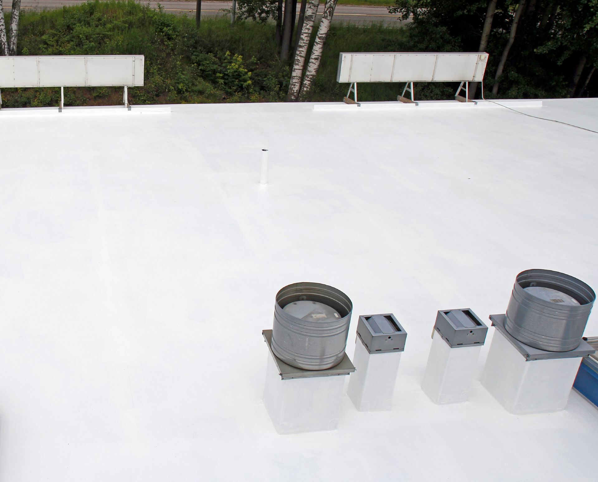 Extends the service life of the roof with many years