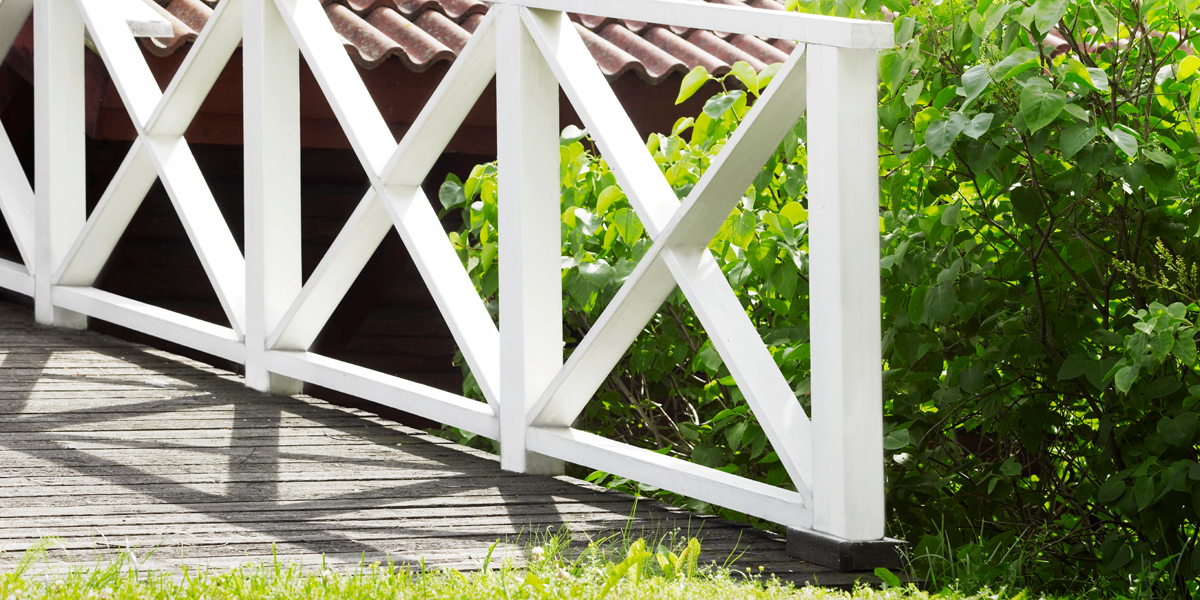 white-wooden-fence