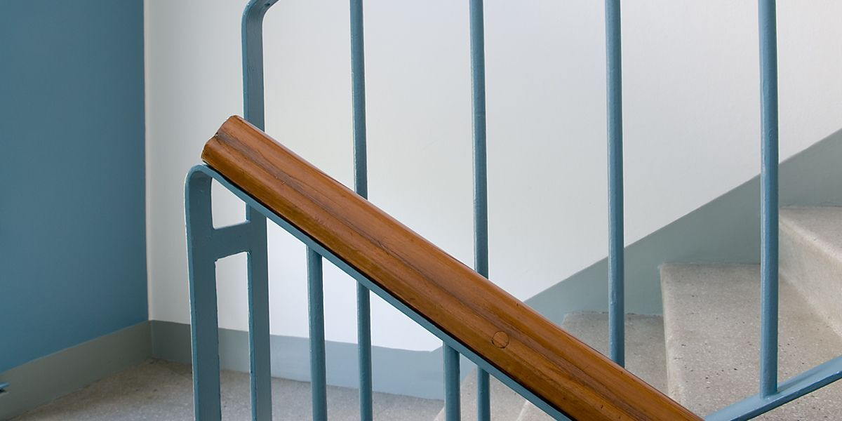 railings-on-staircase