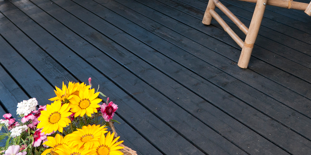 terrace oil protecting wood surface